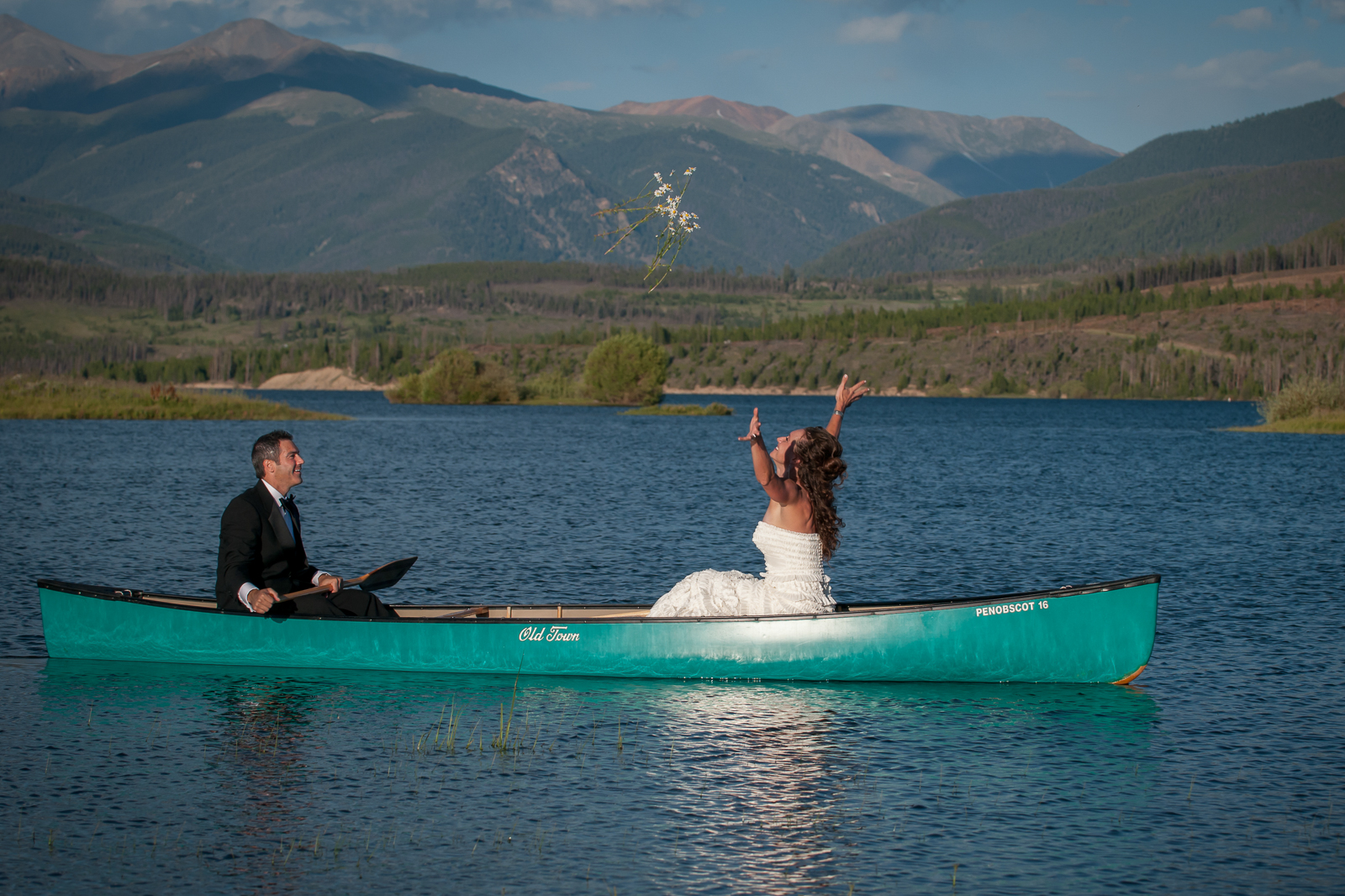 canoe engagement couple photography