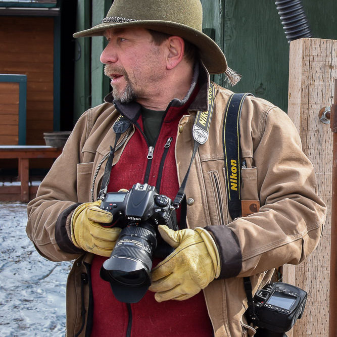 colorado photographer matt lit photographing western horse rescue